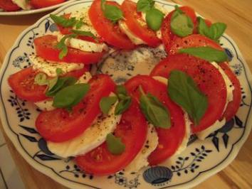 Tomaten mit Mozzarella und Crema di Balsamico